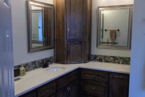 The Colony – Master Bathroom